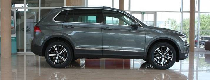 karl meyer autohaus volkswagen tiguan sound 2 0 tdi scr 4motion dsg 110 kw indiumgrau metallic. Black Bedroom Furniture Sets. Home Design Ideas